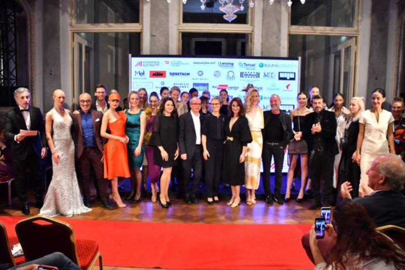 AUSTRIAN FASHION GREETS TURKEY